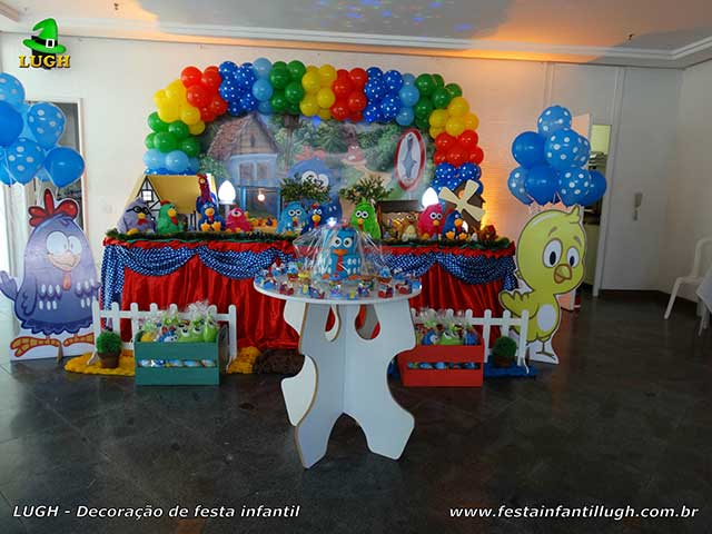 Decoração festa de aniversário tema da Galinha Pintadinha - Mesa luxo decorada na Barra (RJ)