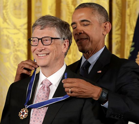 Obama decorates Bill Gates, Ellen, Michael Jordan with Medal of Freedom