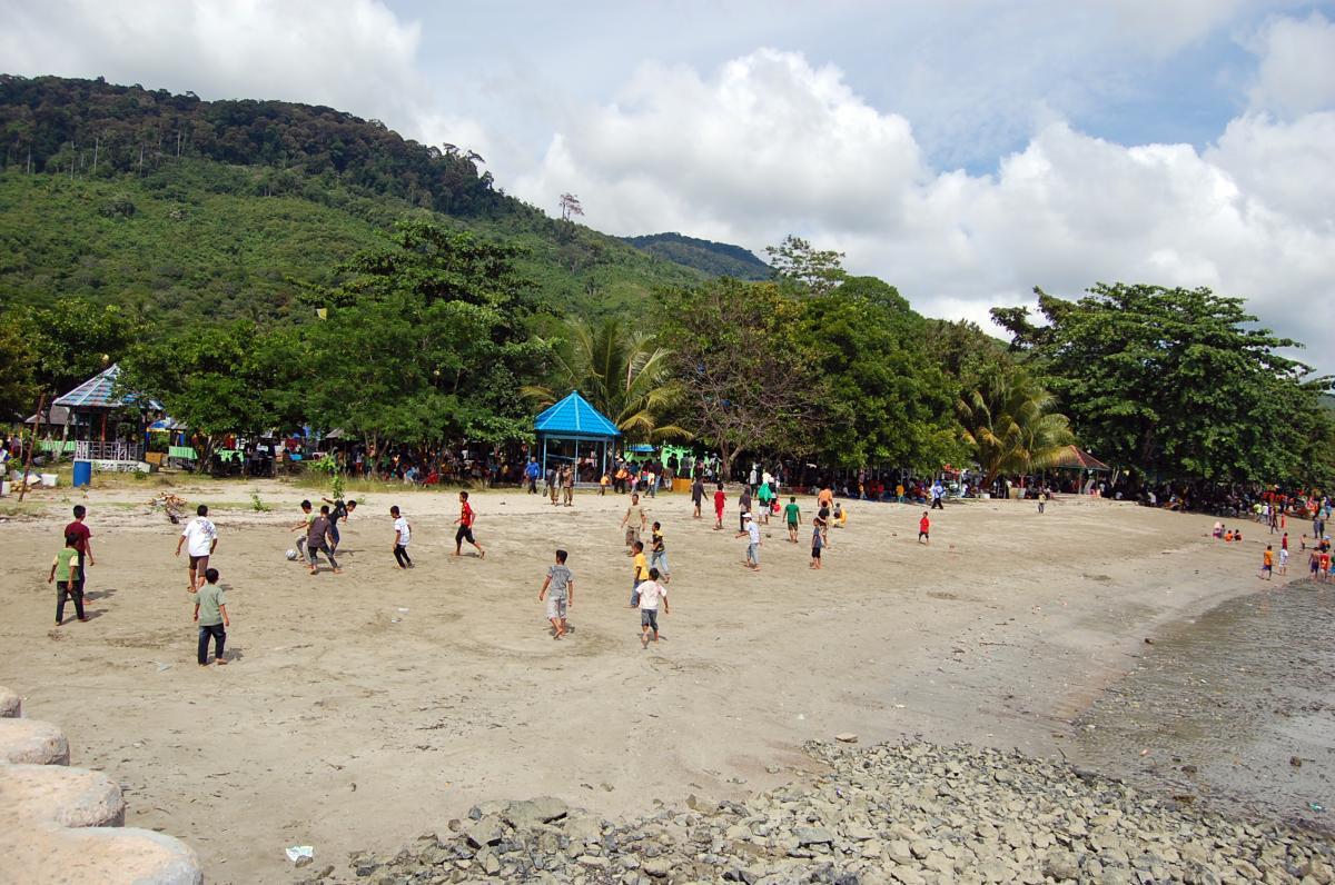 Tempat Wisata Pantai Sarang Tiung Kota Baru Kalimantan Selatan