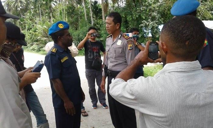 Aparat indonesia datangi kediaman Presiden Papua saat HUT Pemulihan Kemerdekaan Negara Papua ke-6