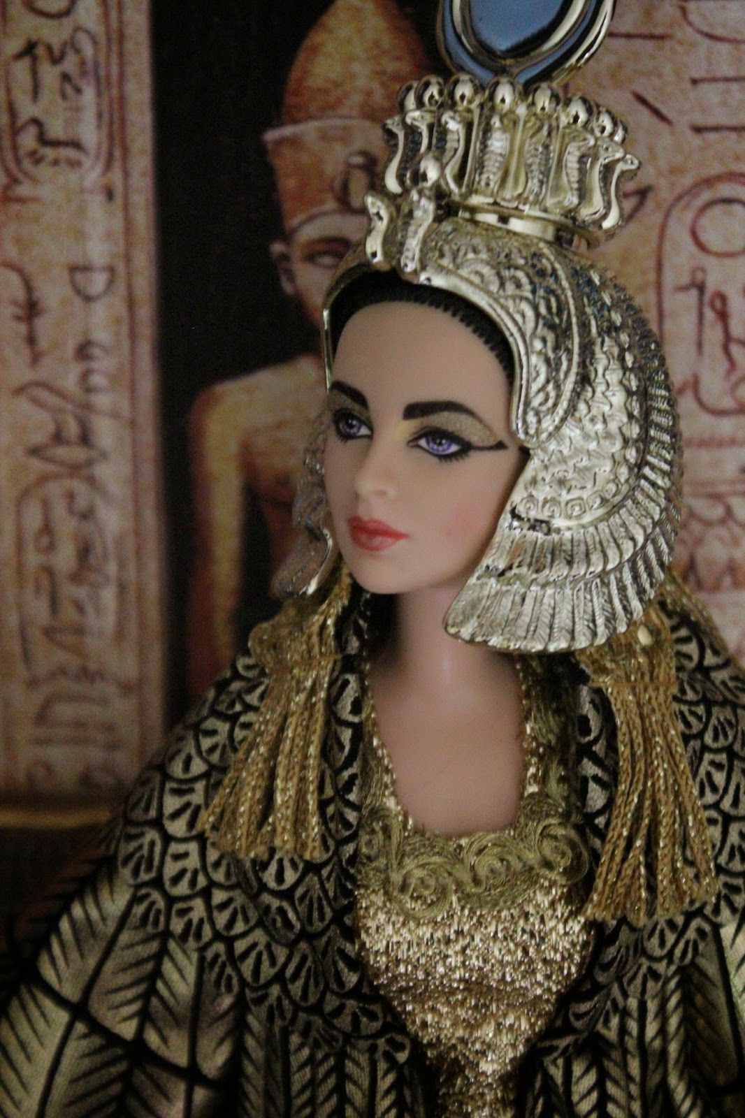 The Dolls Between Us: PLANET OF THE DOLLS: Doll-A-Day 158: Elizabeth Taylor As