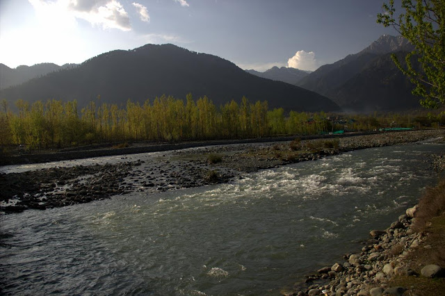 pahalgam river lidder kashmir india mountains scenic
