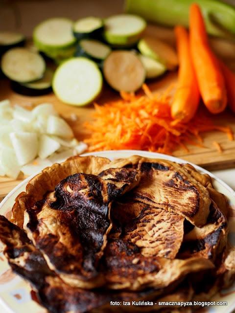 zapiekanka grzybowo warzywna, grzyby, grzyb, warzywa, obiad, z piekarnika, musaka, czasznica olbrzymia, purchawica