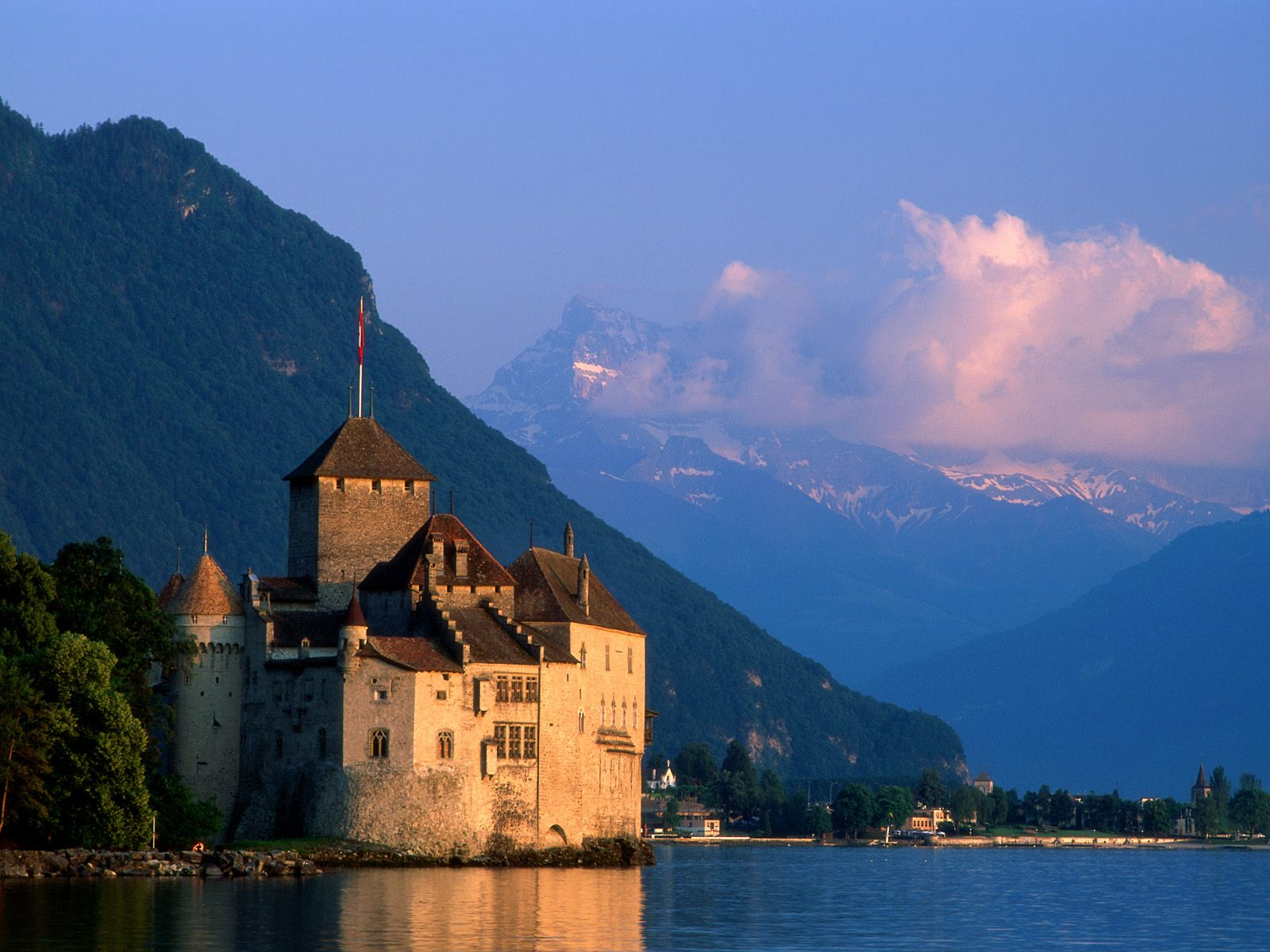 9 Most Beautiful Castles in the World