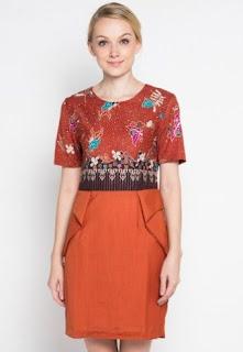 Model baju batik kombinasi untuk kerja