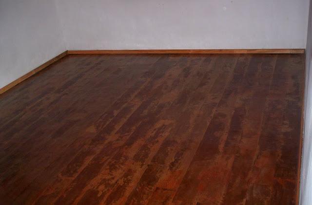 De todo un poco piso imitaci n madera con papel - Papel imitacion madera ...