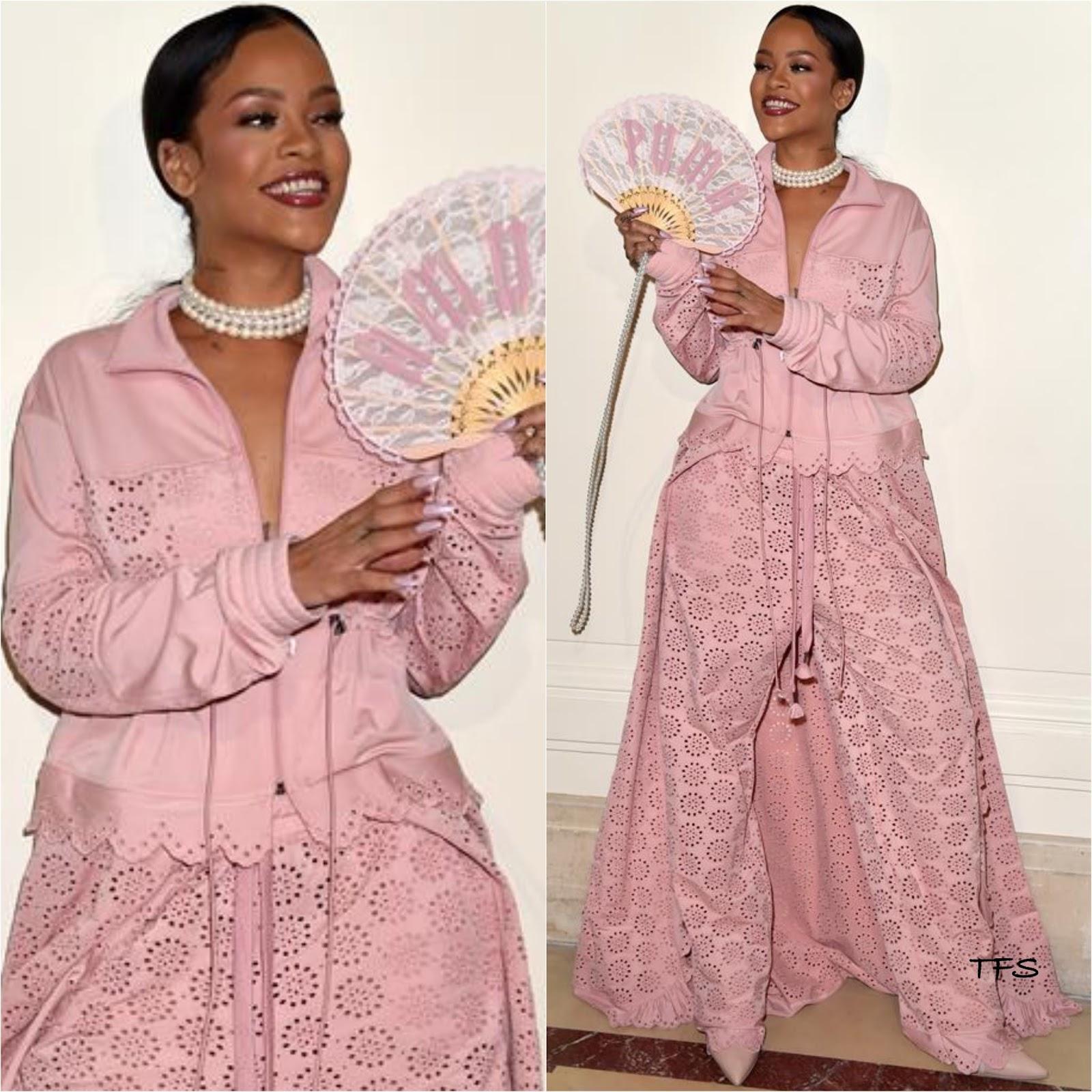 on sale 157f3 107ec Rihanna in Fenty x Puma by Rihanna at the Fenty x Puma by ...