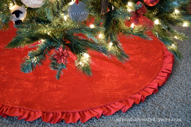 How to Make a Christmas Tree Skirt with a Ruffle