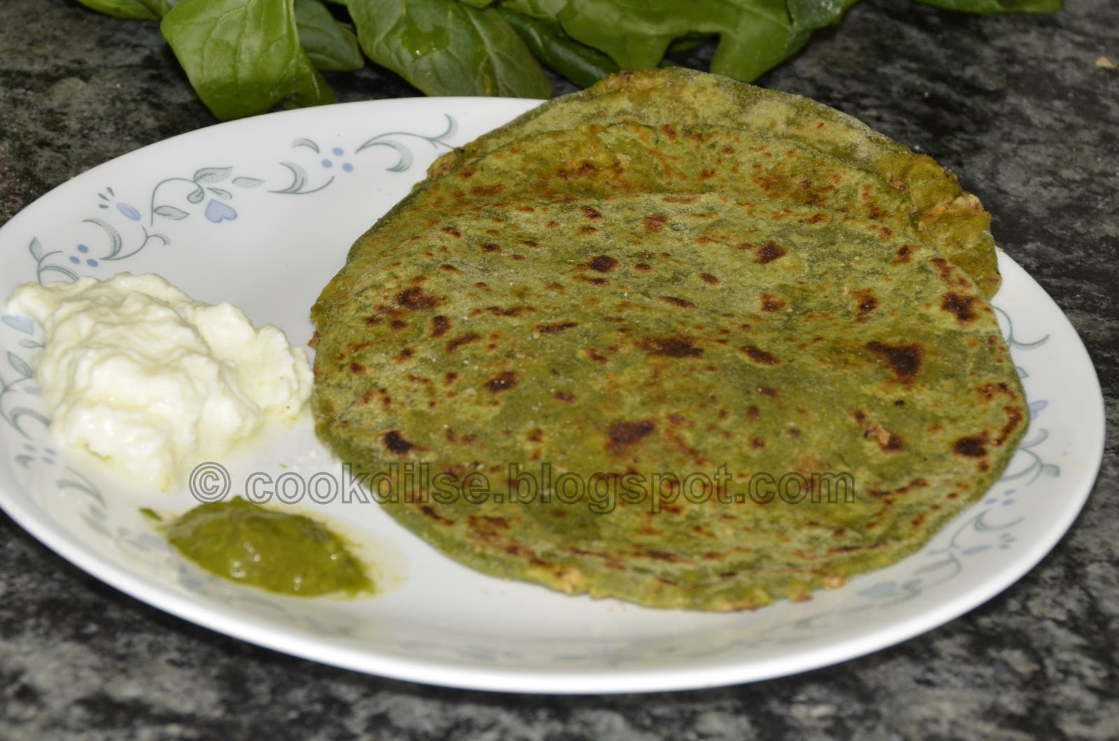 Cook dil se protein and iron rich parathaindian stuffed bread here i have tried and tasted this recipe because i bought a huge bunch of fresh green spinach from the south melbourne market here in australiaand i forumfinder Choice Image