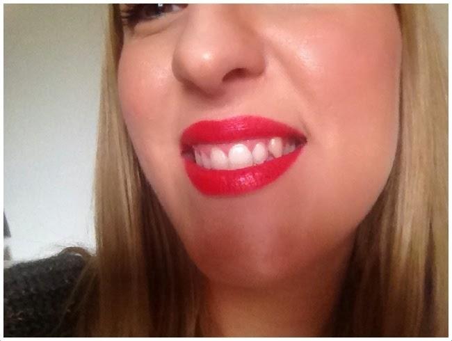 Flo's Perfect Make Up: Poppy Love Rossetto Color Trend Avon