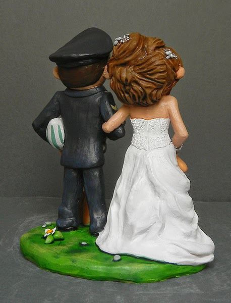 regalo statuette sposi cake topper pallone rugby uniforme orme magiche