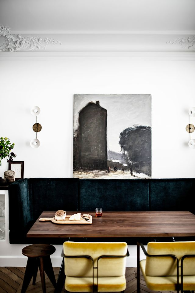 my scandinavian home an elegant paris apartment. Black Bedroom Furniture Sets. Home Design Ideas