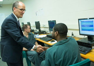 Federal Bonding Program helps felons get jobs