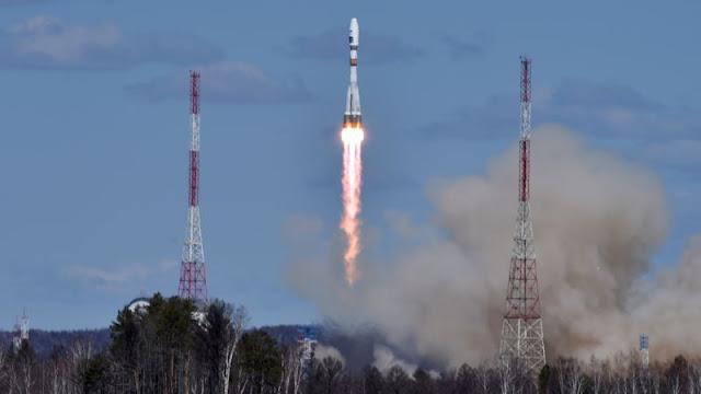 Cohete ruso desde Vostochny pone en órbita tres satélites