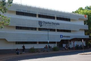 منحة لدرجات البكالوريوس والدراسات العليا لعدة تخصصات مقدمة من جامعة Charles Darwin