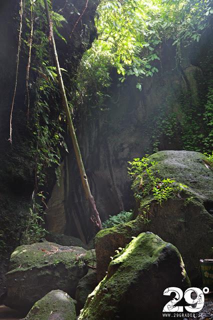 Magisk miljö - Tukad Cepung Waterfall