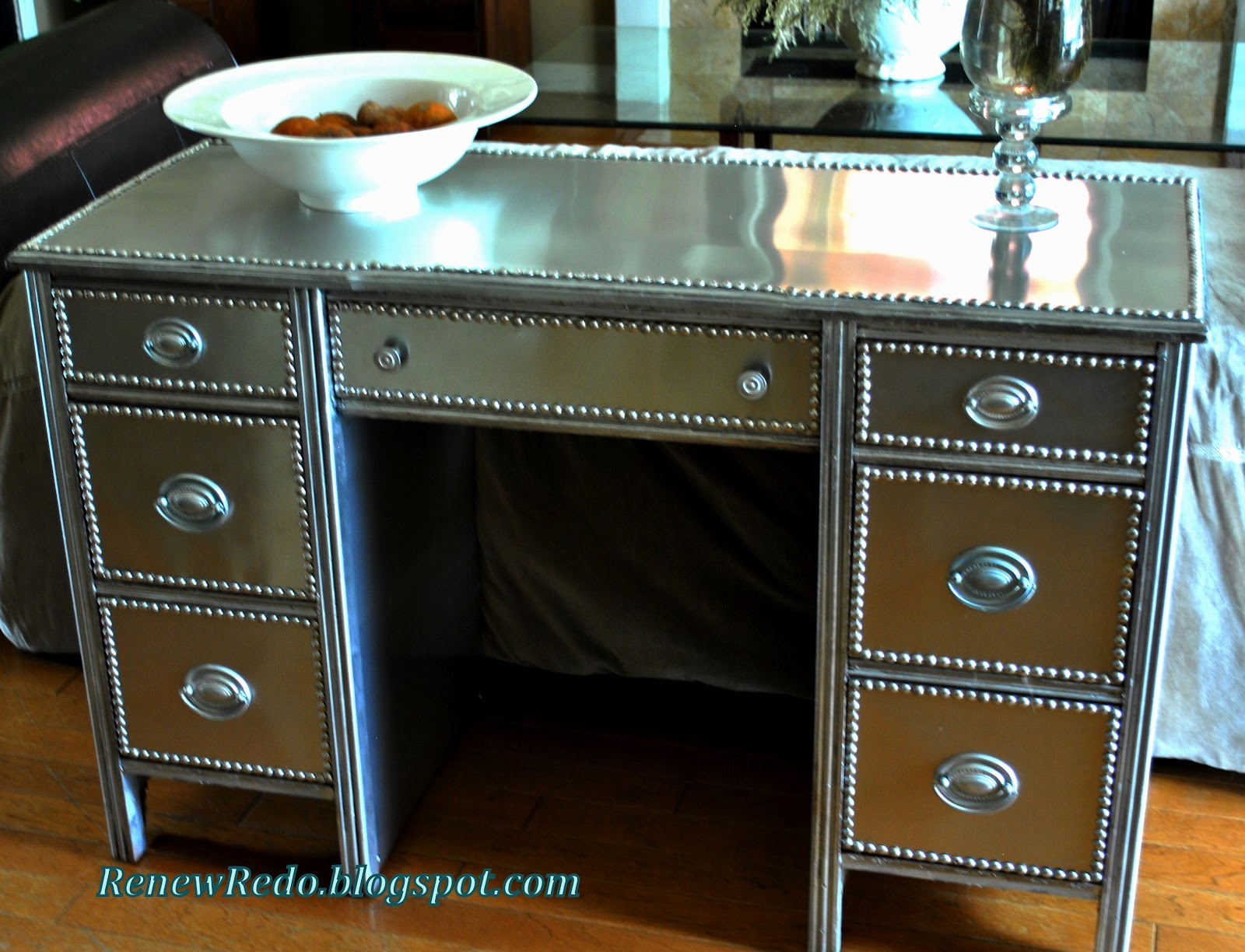 Diy Nail Desk Renew Redo Stainless Steel Look Furniture How To