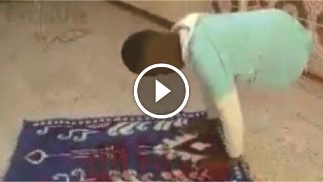 Meski Tak Memiliki Kaki, Pemuda Ini Tetap Lakukan Shalat Dengan Kedua Tangannya, Lihat Videonya!