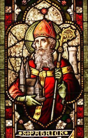 Imagen de San Patricio en una ventana