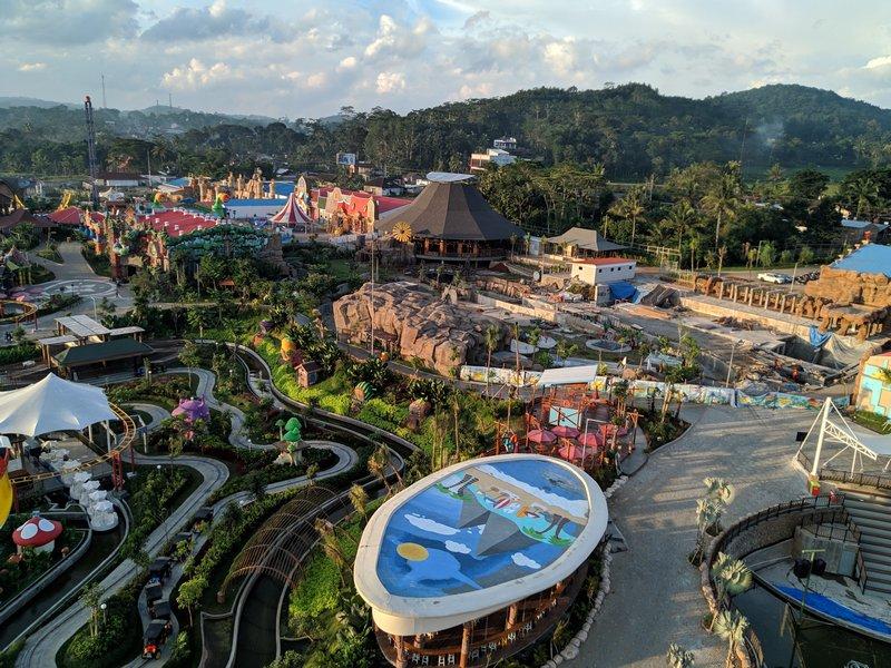 Mengunjungi Saloka Park, Wahana Wisata Terbesar Kebanggaan Jawa Tengah