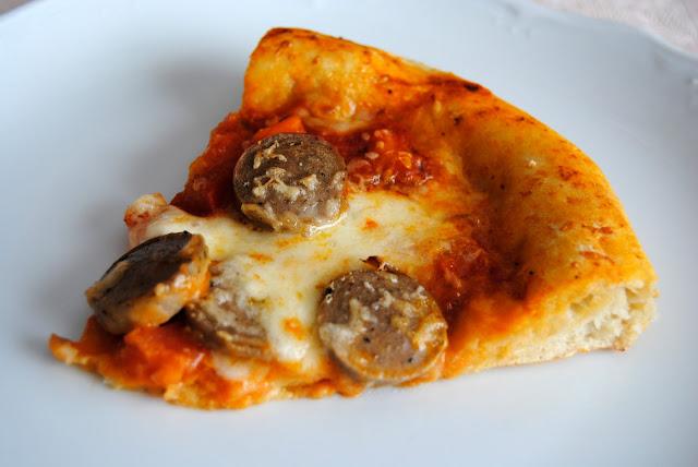 Pizza con Salchichas (Pizza alla Salsiccia). Receta