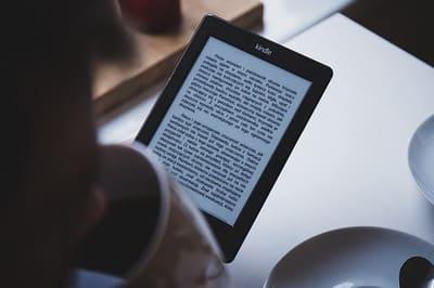 """Livros gratuitos: """"A Duquesa Rebelde"""" e """"Um Pequeno Milagre"""""""