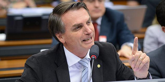 Deputado Jair Bolsonaro fica à frente de Aécio e Dilma em engajamento nas redes sociais