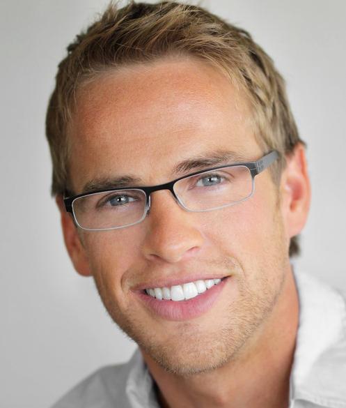95ff18d7f1 Según un estudio británico, las personas que buscan empleo tienen más  posibilidades de ser contratadas si usan lentes en la entrevista de trabajo.