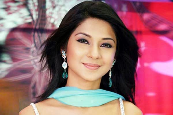 Ankita Lokhande Hd Wallpaper Jennifer Winget بطلة مسلسل السحر الاسمركمود مع زوجها