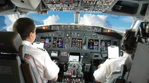 Bolehkah Para Pilot tak Berpuasa Saat Bertugas?