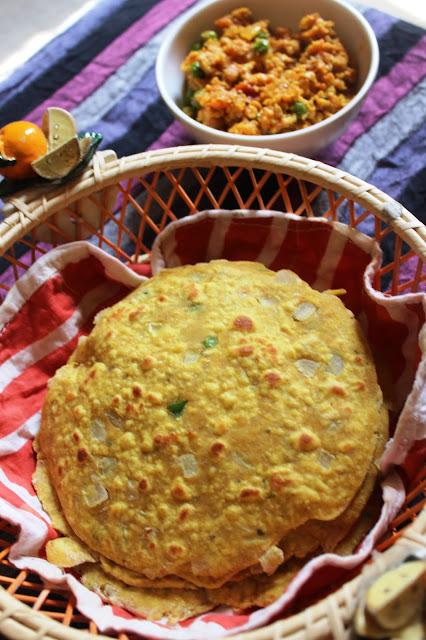 Restaurant style rajasthani missi roti