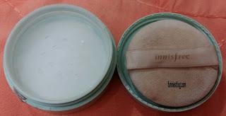 Penampakan Innisfree No Sebum Mineral Powder ketika dibuka