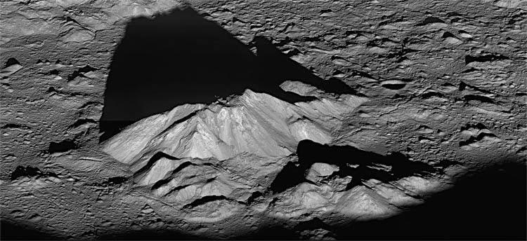 Colinas da Cratera Tycho - Lua