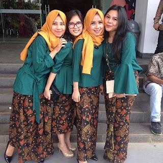 Inspirasi Kebaya Batik Modern Indonesia