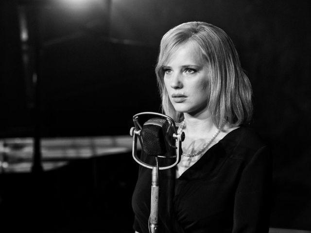 Joanna Kulik, Cold War