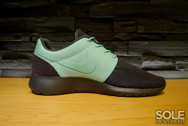 fbfd3a3135e24 PURVEYR  Sole Academy Exclusive  Nike Roshe Run