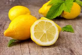 الليمون يقوي الشعر ويذيب الدهون ويرفع المعنويات .