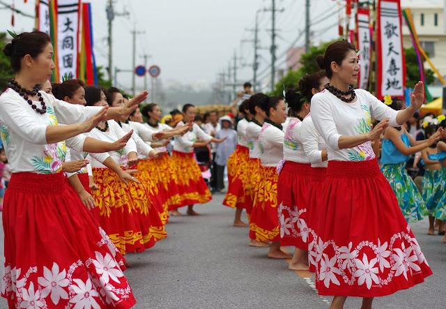 Hula dancers performing in street