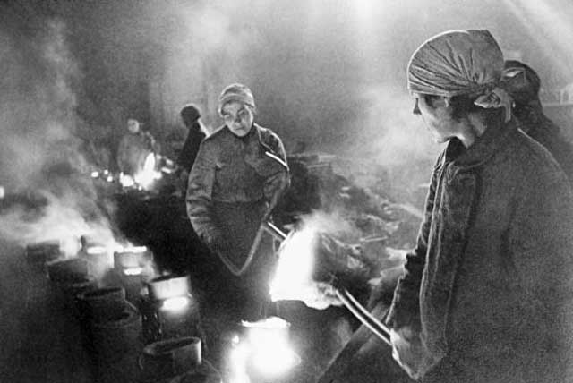 Iron workers in Leningrad, 27 January 1942 worldwartwo.filminspector.com