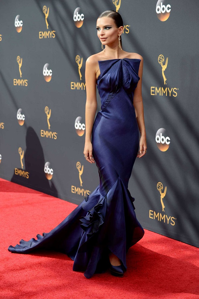 Emily Ratajkowski stuns in a Zac Posen gown at the 2016 Emmy Awards
