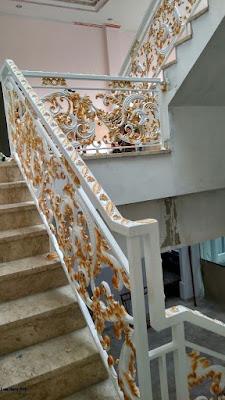 motif raling tangga klasik