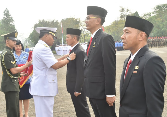 PNS TNI Ikuti Upacara HUT ke-47 Korpri di Mabesal