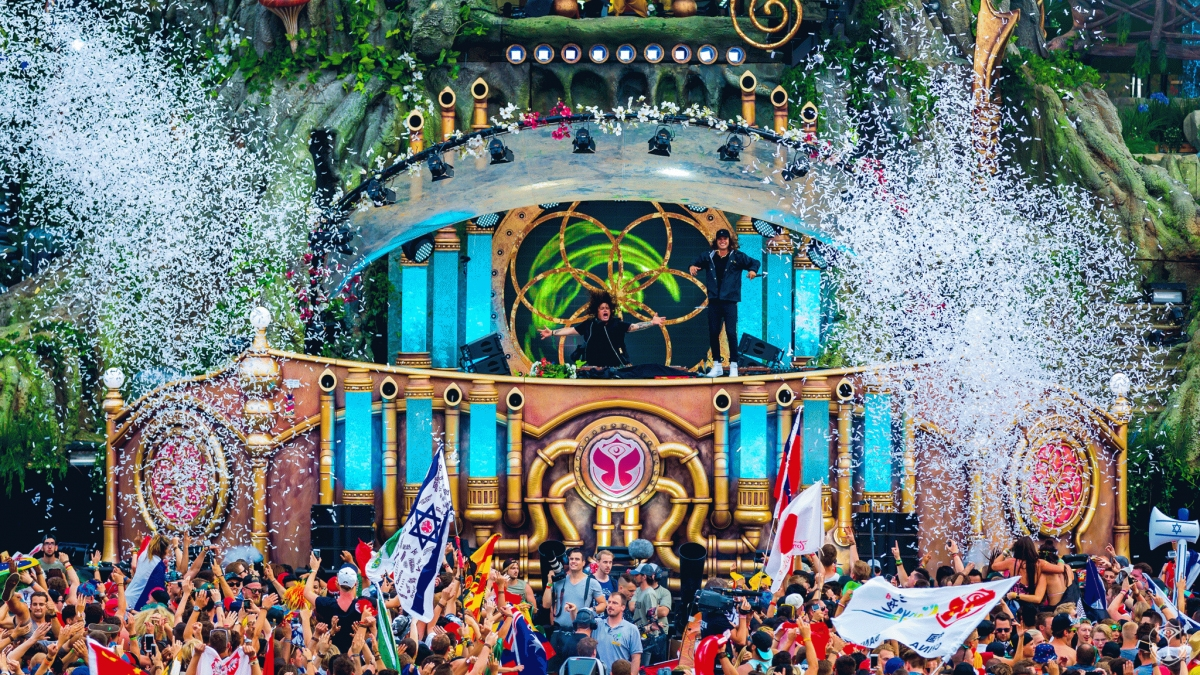 Tomorrowland locks full line-up for 2017