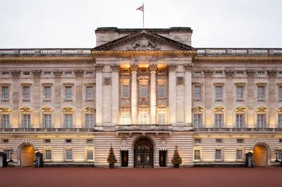 Queen Elizabeth 11's Home Buckingham Palace