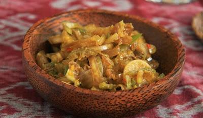 30 Makanan Khas Bali, Kuliner Tradisional dan Modern