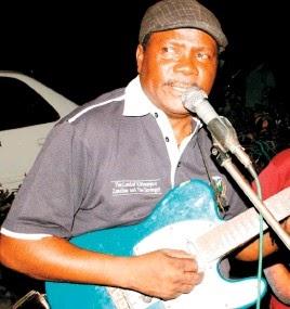 Mwaka Mpya song: Hamza Kalala - Tufurahi na mwaka mpya - Tanzania Pulse