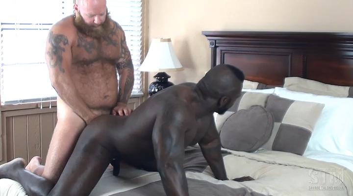 Info muscular man pito savage