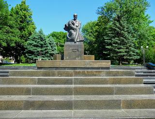 Калуш. Памятник Тарасу Шевченко на одноимённой улице