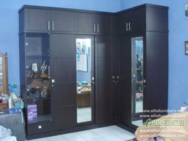lemari minimalis desain sudut model six