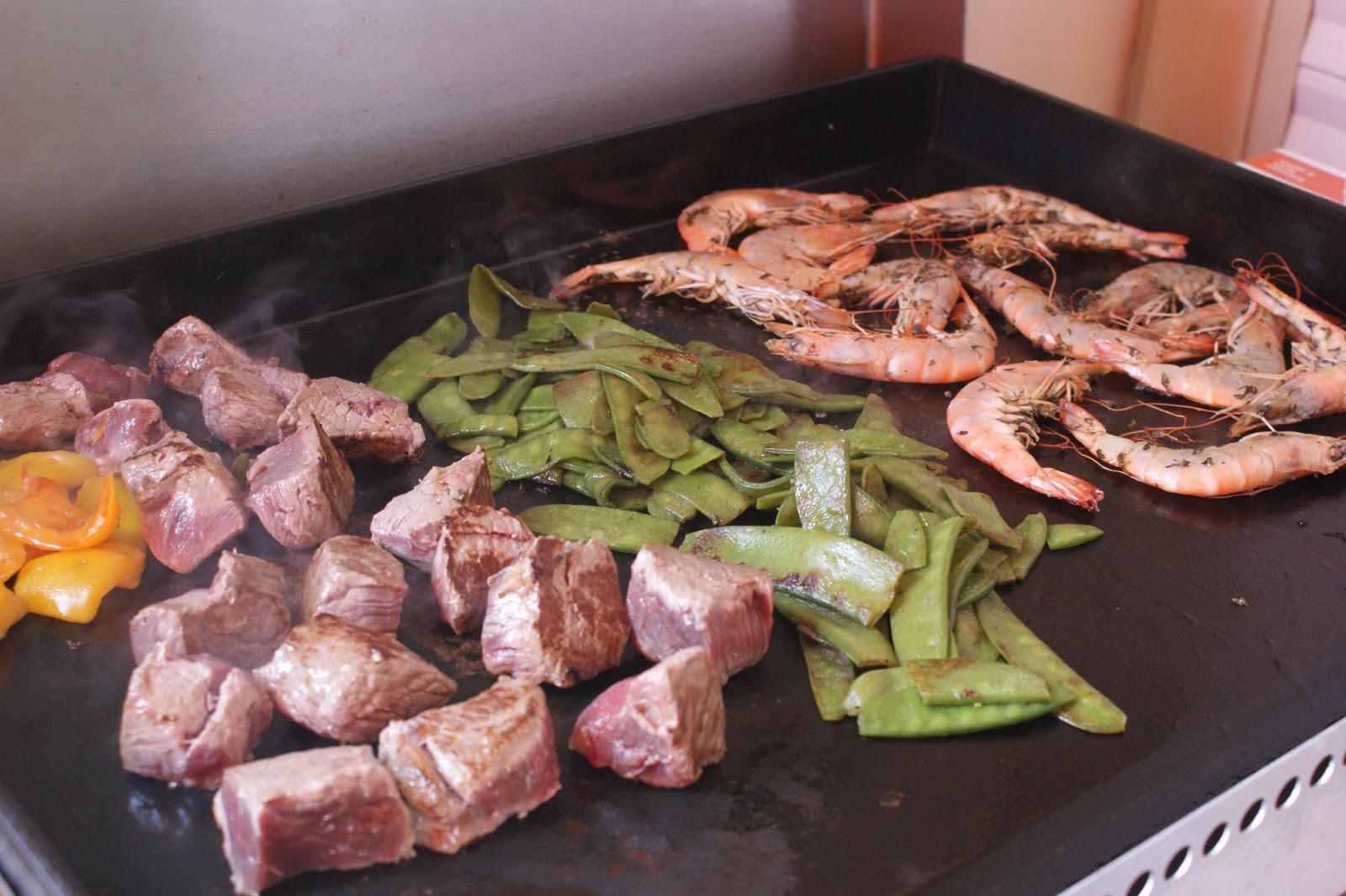 Afternoon tea gambas marin es au pastis la plancha for Viande a la plancha